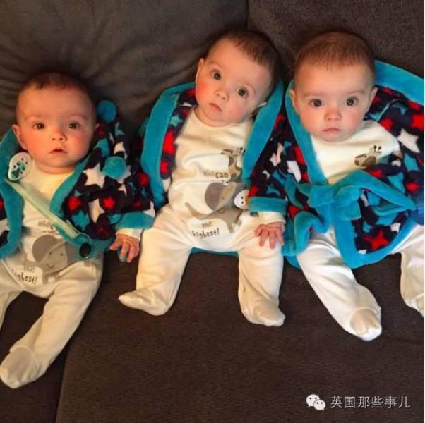 Sau một thời gian quan sát kỹ chị Allen nhận ra, dù các bé có ngoại hình và biểu cảm rất giống nhau, nhưng giữa hai lông mày của mỗi bé đều có vết chàm. Roman có vết chàm sẫm hơn một chút so với hai bé còn lại, Rohan có thêm một vết chàm ở chân.