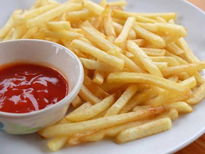 Thực phẩm chuyển đổi chất béo: Điều này có thể làm tổn thương trí nhớ của bạn trong một thời gian. Tiêu thụ thực phẩm chất béo chuyển vị mỗi ngày có thể gây mất trí nhớ.