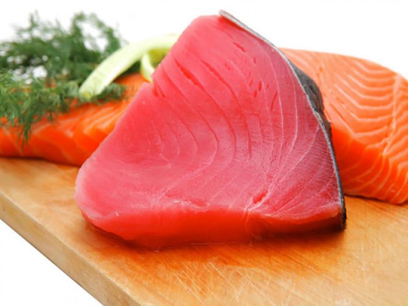 Theo một nghiên cứu trên tờ Intergrative Medicine: Những người ăn hơn 3 phần ăn là các loại cá có vị trí cao trong chuỗi thức ăn - như cá ngừ, cá mú, cá hanh, cá vược, cá kiếm hoặc cá mập - mỗi tuần (hoặc hơn bốn phần một tháng) có nguy cơ bị suy giảm nhận thức. Nguyên nhân là do hàm lượng thủy ngân cao.