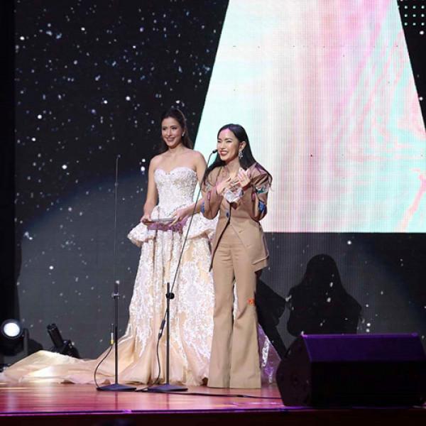 """Ngày 8/4, buổi lễ trao giải Influence Asia 2017 chính thức diễn ra tại Kuala Lumpur, Malaysia với sự tham gia của hàng ngàn """"Người ảnh hưởng"""" không chỉ từ Việt Nam mà còn các đất nước khác trong khu vực châu Á. Châu Bùi đã thắng lớn tại Influence Asia cho hạng mục Fashion ở Việt Nam, vượt qua 3 người còn lại cũng được đề cử trong top 4."""
