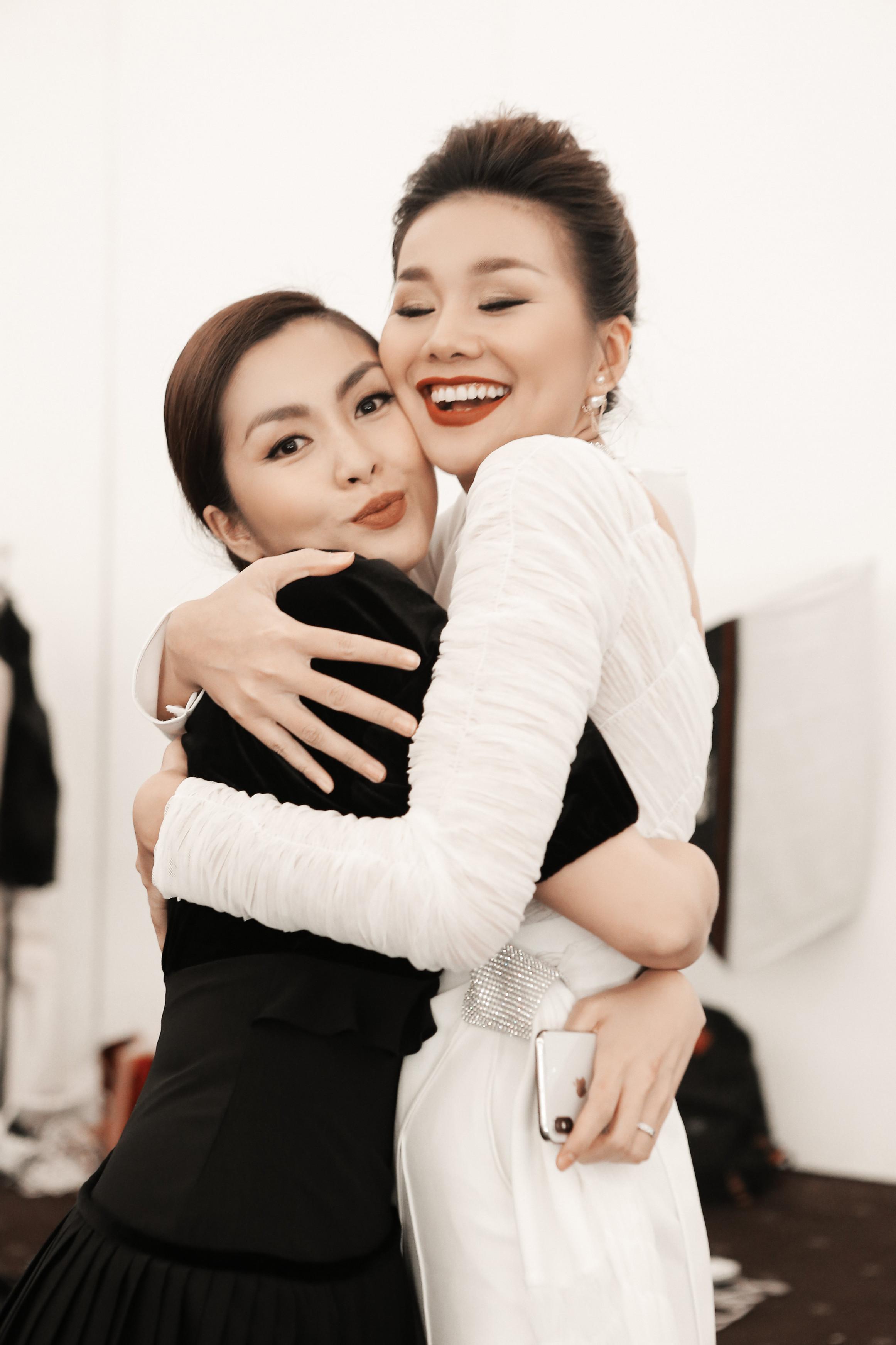 Tăng Thanh Hà và Hoa hậu Thanh Hằng ở hậu trường