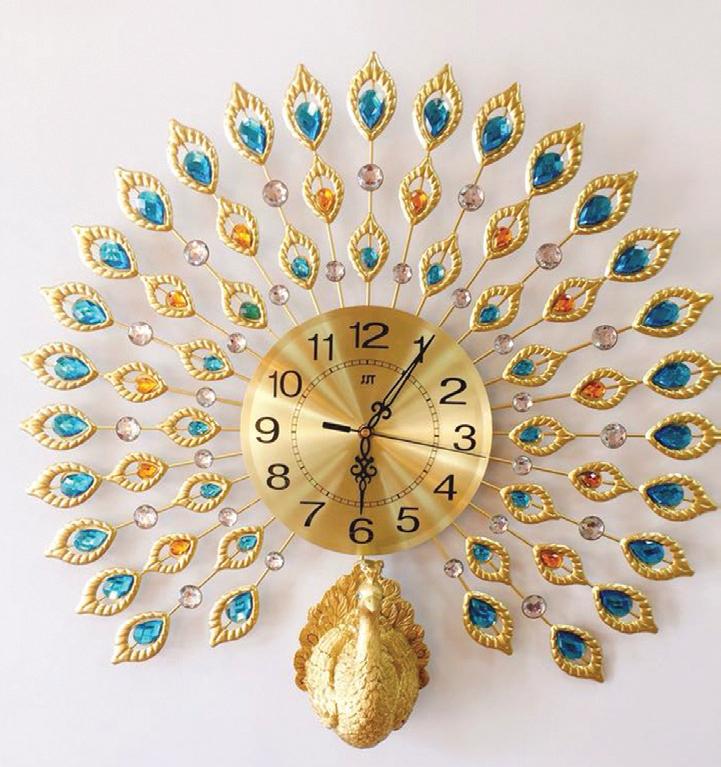 Đồng hồ treo tường hình tròn, hoạ tiết lông chim công, 850.000 đồng