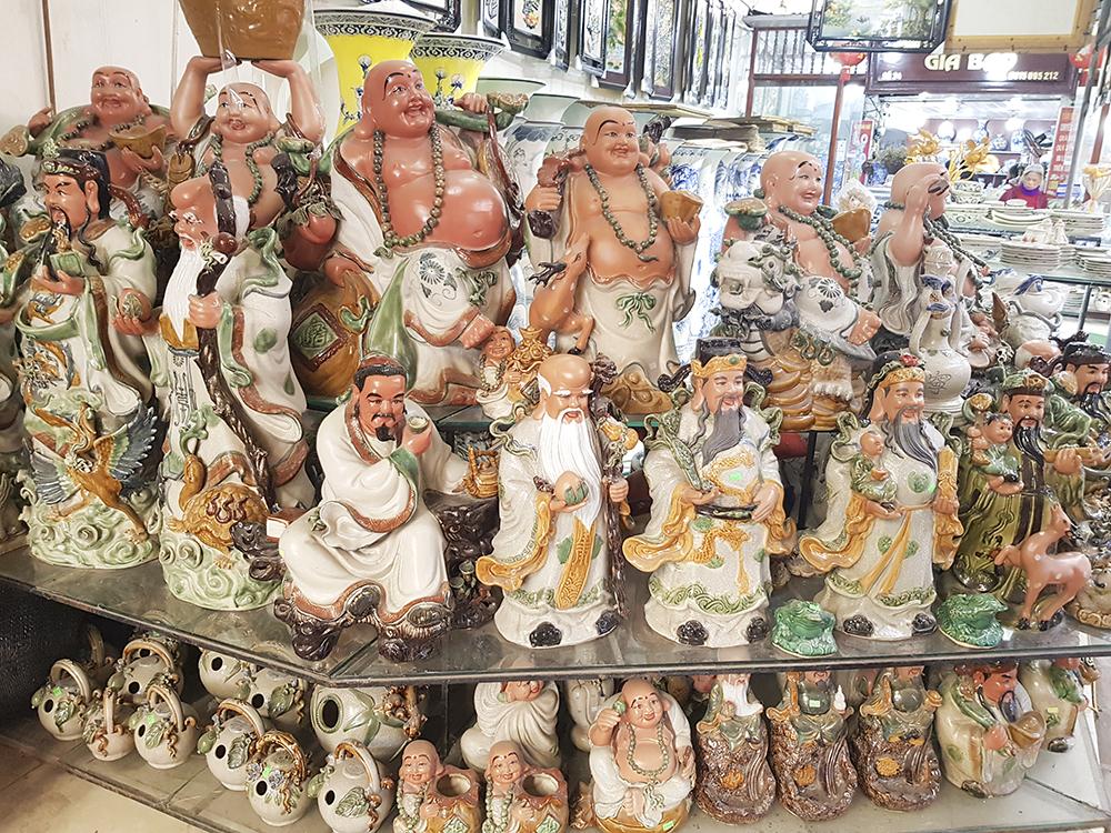 Ngoài ra, tại chợ gốm còn có những món đồ trang trí