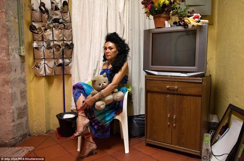 Bà Norma Angelica sống trong ngôi nhà an toàn này nhiều năm. Không chỉ chăm lo những nhu cầu sống thiết yếu, Casa Xochiquetzal còn giúp hình thành nên một cộng đồng nhỏ, nơi những người phụ nữ sống dựa vào những người cùng cảnh ngộ.