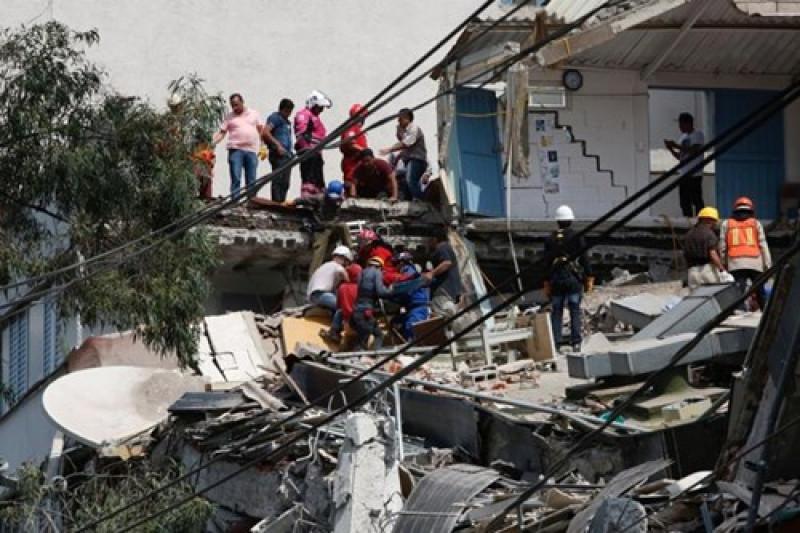 Thông tin về trận động đất đã khiến cổ phiếu và tỷ giá đồng peso sụt giảm, trong khi sàn chứng khoán Mexico phải tạm ngưng giao dịch.