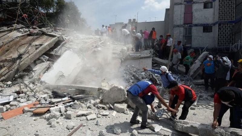 Lực lượng cứu hộ đã được triển khai tại các khu vực ảnh hưởng tại thủ đô Mexico City để tìm kiếm những người sống sót trong đống đổ nát. Ước tính 44 tòa nhà đã bị đổ sập, trong đó có 1 trường học, 1 siêu thị và 1 nhà máy. Đa số thiệt hại tập trung tại quận Condesa và Roma ở trung tâm thủ đô Mexico City.
