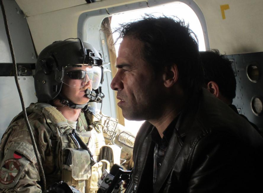 Nhiếp ảnh gia của hãng Reuters Omar Sobhani vẫn chưa hết bàng hoàng khi kể lại vụ việc và chứng kiến các đồng nghiệp chết dưới bom đạn. Bản thân Sobhani cũng bị thương nhẹ do vụ đánh bom liều chết.