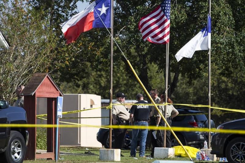 Cảnh sát trưởng Joe Tackitt cho biết rằng có nhiều thương vong, trong đó có cả trẻ em. Cảnh sát đã bắn chết ngay kẻ đã xả súng vào đám đông khi hắn bỏ chạy khỏi hiện trường.