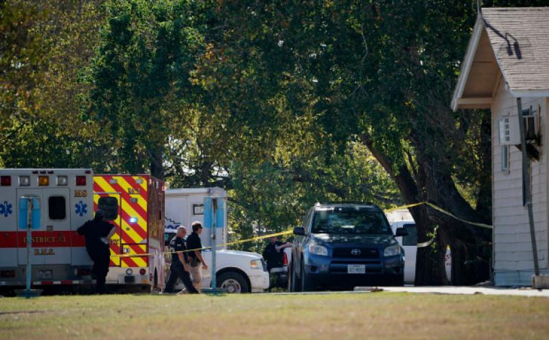 Vụ xả súng xảy ra tại nhà thờ First Baptist của Sutherland Springs, cách thành phố Houston, bang Texas của Mỹ khoảng 300km về phía Tây. Theo các nhân chứng cho biết, tên sát nhân đã bước vào nhà thờ và nã đạn vào những người đang cầu nguyện.
