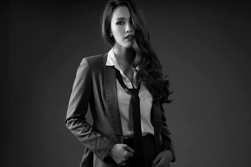 Năm 2017, cô đã trao lại danh hiệu Miss Photo cho người kế nhiệm là Vũ Hương Giang