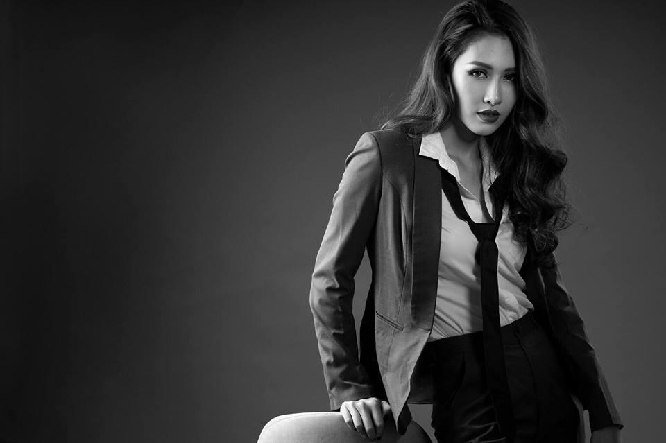 Cô hiện là người mẫu quen thuộc trên sàn diễn thời trang TPHCM