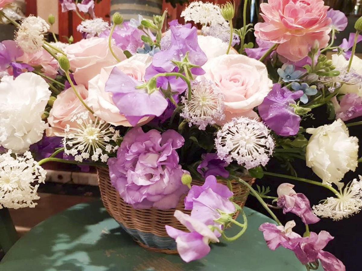 9. Cũng có tên gọi hoa hồng nhưng nhiều loại hồng của Nhật Bản có màu sắc và hương thơm hoàn toàn khác với hoa hồng của những nơi khác