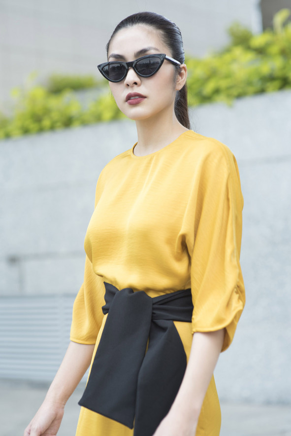 """Cuối năm 2018, Tăng Thanh Hà lần đầu tiên mạnh dạn đưa thương hiệu thời trang của chính mình lên sàn diễn thời trang chuyên nghiệp bằng việc tham gia """"ELLE Fashion Journey""""."""