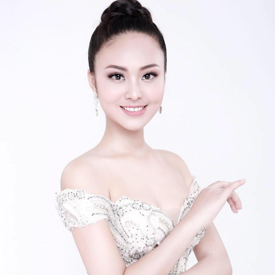 Ấ khôi 1 Miss Photo 2017 Hoàng Thị Bích Ngọc sẽ cùng các người mẫu trình diễn áo dài của nhà thiết kế Nhật Dũng và những bộ Kimono, Yukata