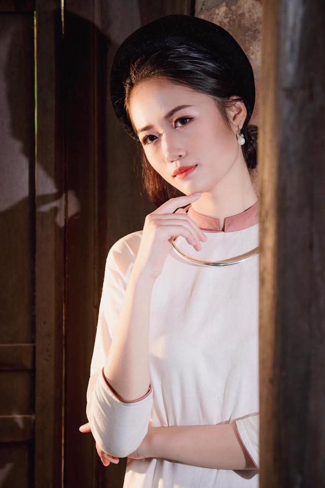 Người đẹp có gương mặt khả ái Nguyễn Lan Nhi