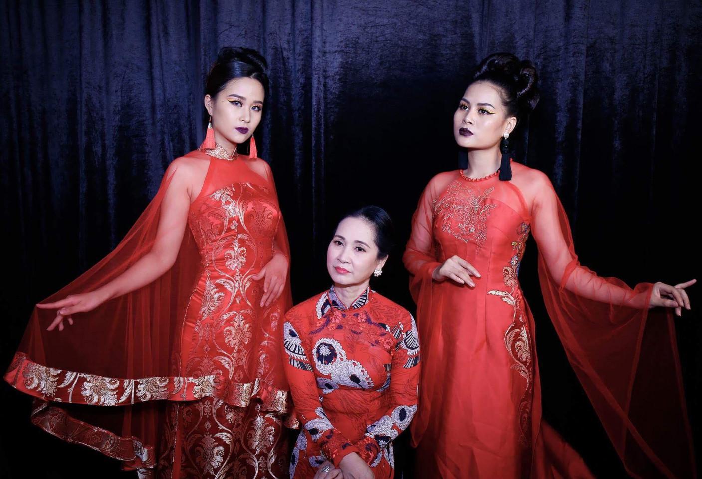 Nguyễn Ngọc Hà - Á khôi Tài sắc Việt Nam 2017 (bìa trái)
