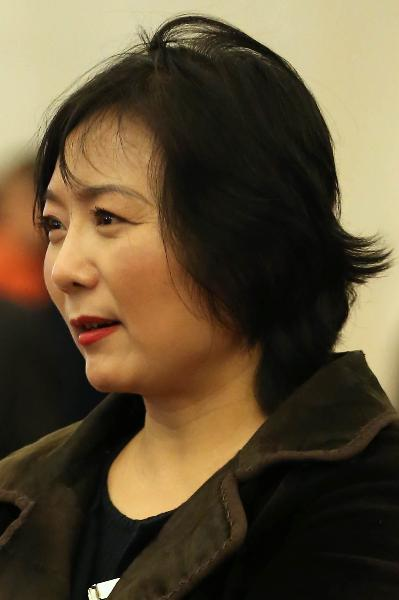 """Nữ tỷ phú """"kín tiếng nhất Thế giới"""", bà Wu Yajun, CEO của tập đoàn bất động sản Longfor đứng thứ 6 trong danh sách này. Bà sở hữu khối tài sản lên đến 3,2 tỷ USD. Vào năm 2011, bà đã từng trở thành người phụ nữ giàu có nhất Trung Quốc."""