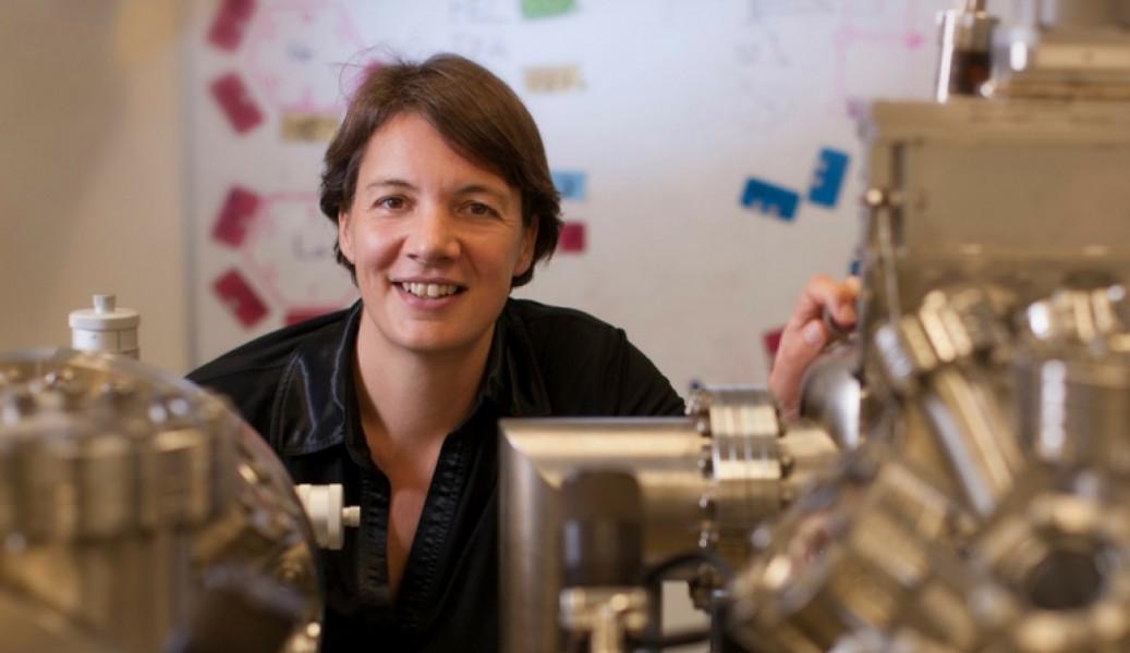 Nhà khoa học người Australia Michelle Simmons được vinh danh vì đã tiên phong trong lĩnh vực siêu máy tính lượng tử, mở ra cánh cửa cho sự phát triển máy tính trong tương lai.