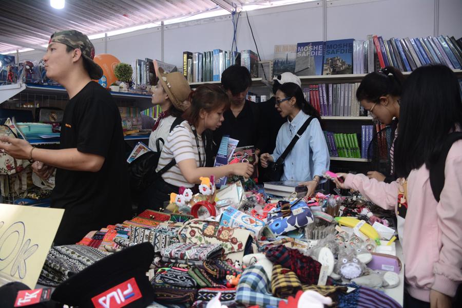 Ban tổ chức cũng sẽ tiến hành phủ sóng wifi miễn phí toàn bộ khu vực tổ chức trong suốt thời gian mở cửa và cấm hoạt động âm thanh  của các gian hàng nhằm tạo không gian văn hóa đọc.