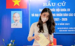 Thiếu nữ Hà thành 18 tuổi xúc động, tự hào lần đầu đi bầu cử