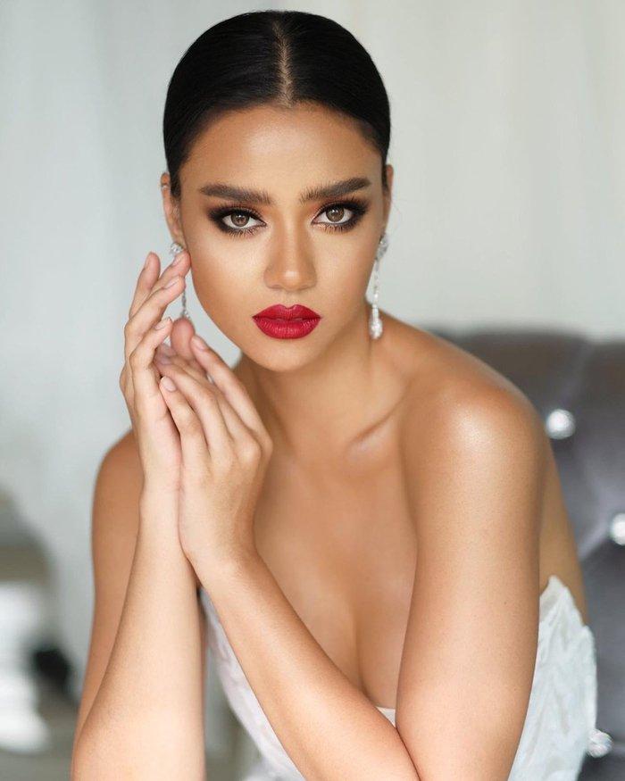 Người mẫu 27 tuổi đăng quang Hoa hậu Hoàn vũ Thái Lan 2020 - Ảnh 4.