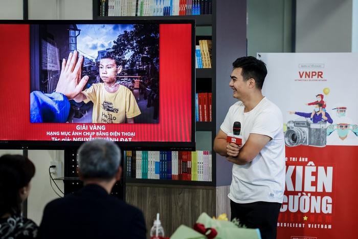 """Giải vàng cuộc thi ảnh """"Kiên cường Việt Nam"""" chống Covid-19 thuộc về một đầu bếp - Ảnh 3."""