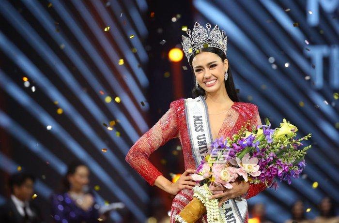 Người mẫu 25 tuổi đăng quang Hoa hậu Hoàn vũ Thái Lan 2020 - Ảnh 2.