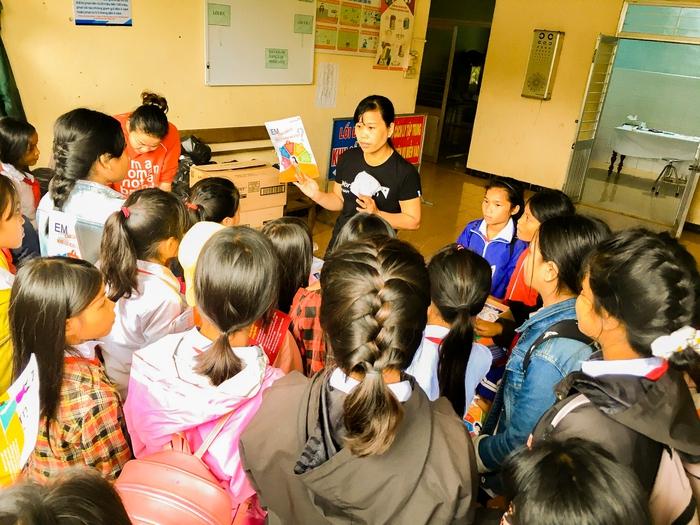 Hơn 16.000 trẻ em gái ở miền Trung sẽ được trao tặng băng vệ sinh - Ảnh 1.