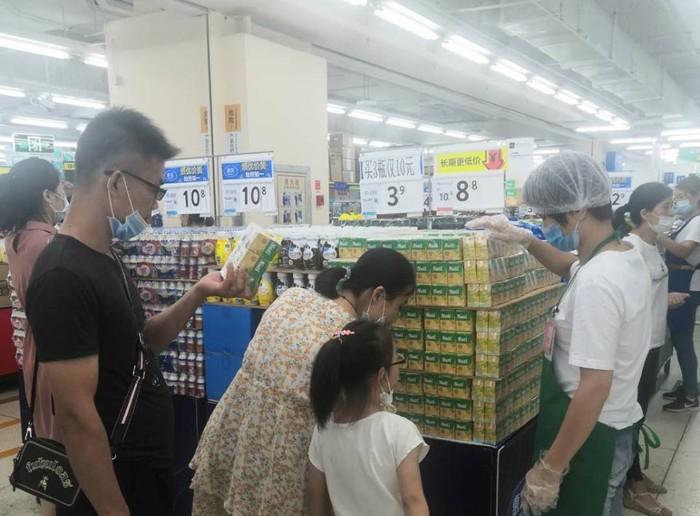 NutiFood mở rộng kênh phân phối thông qua đại siêu thị WALMART - Ảnh 1.