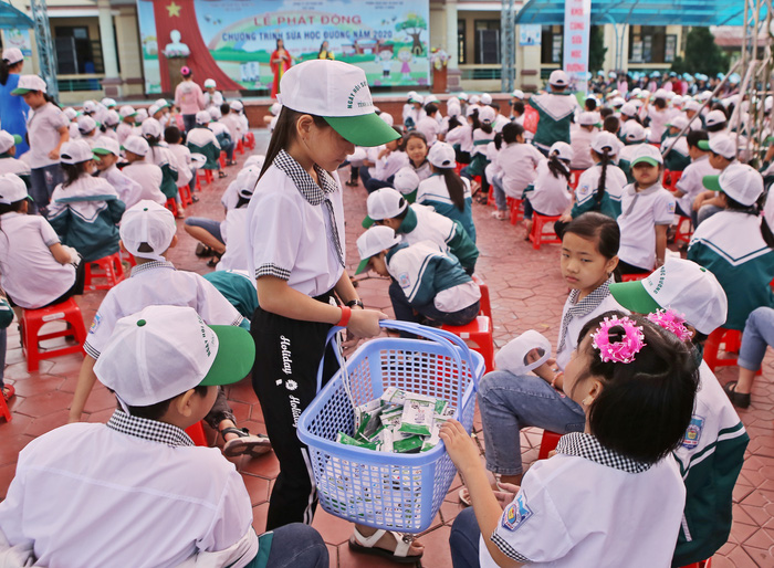 """Tỉnh Hà Nam phát động """"Chương trình Sữa học đường"""" năm học 2020-2021 - Ảnh 3."""