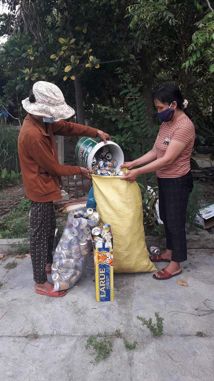 """""""Thùng rác văn minh"""" - Chung tay bảo vệ môi trường - Ảnh 1."""