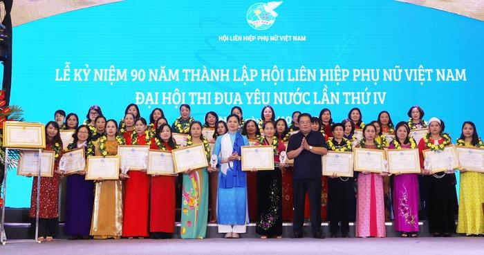 Phụ nữ Việt Nam tự hào với truyền thống, khát vọng vươn lên - Ảnh 1.
