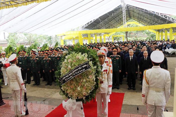 Lễ tang 13 đồng chí hy sinh ở khu vực Thủy điện Rào Trăng 3 - Ảnh 1.
