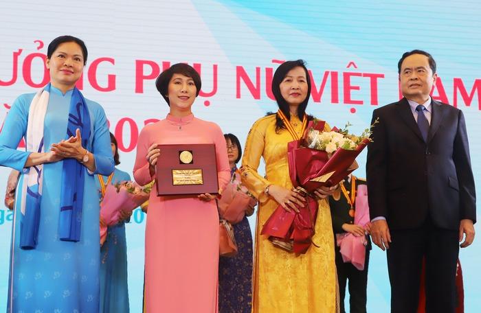 Trao Giải thưởng Phụ nữ Việt Nam năm 2020 cho 7 tập thể và 10 cá nhân  - Ảnh 4.