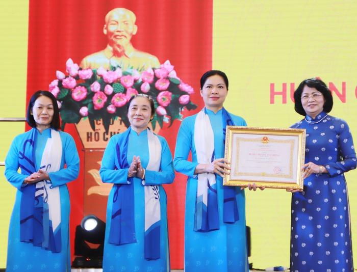 Kỷ niệm 90 năm thành lập, Hội LHPN Việt Nam đón nhận Huân chương Lao động hạng Nhất - Ảnh 3.