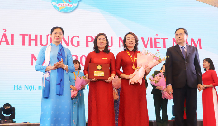 Trao Giải thưởng Phụ nữ Việt Nam năm 2020 cho 7 tập thể và 10 cá nhân  - Ảnh 3.