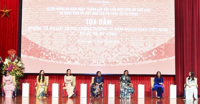 Bộ Ngoại giao kỷ niệm 90 năm thành lập Hội LHPN Việt Nam  - Ảnh 4.