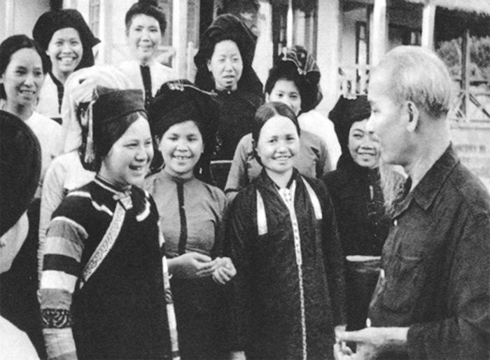 Sự quan tâm của Đảng đối với Hội Liên hiệp Phụ nữ Việt Nam - Ảnh 1.