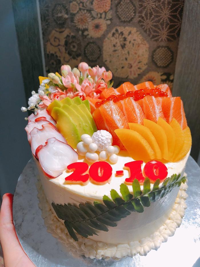 Độc đáo bánh gato sushi tiền triệu làm quà 20/10 - Ảnh 1.