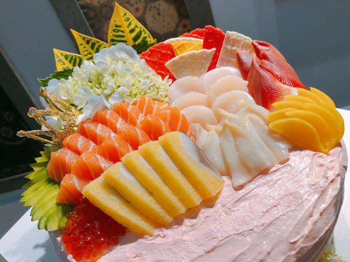 Độc đáo bánh gato sushi tiền triệu làm quà 20/10 - Ảnh 2.