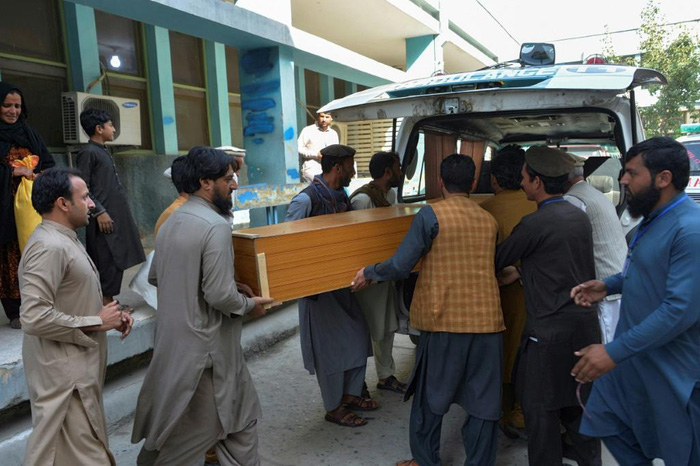 Afghanistan: Ít nhất 15 phụ nữ thiệt mạng vì bị giẫm đạp khi xin visa - Ảnh 2.