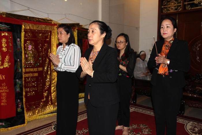 Phó chủ tịch Hội LHPN Việt Nam thăm hỏi các gia đình liệt sỹ hy sinh trong khi làm nhiệm vụ - Ảnh 1.