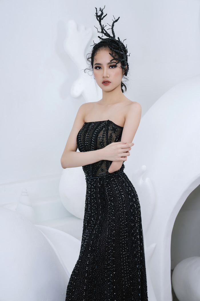 Người mẫu khuyết tay Hà Phương tự tin khoe dáng với đầm dạ hội - Ảnh 5.