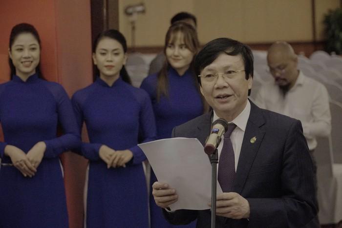 Hội Nhà báo Việt Nam khai mạc trưng bày hàng nghìn ấn phẩm báo chí tiêu biểu và triển lãm ảnh - Ảnh 9.