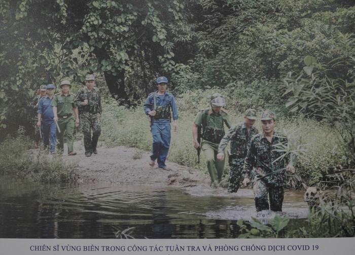 Hội Nhà báo Việt Nam khai mạc trưng bày hàng nghìn ấn phẩm báo chí tiêu biểu và triển lãm ảnh - Ảnh 2.