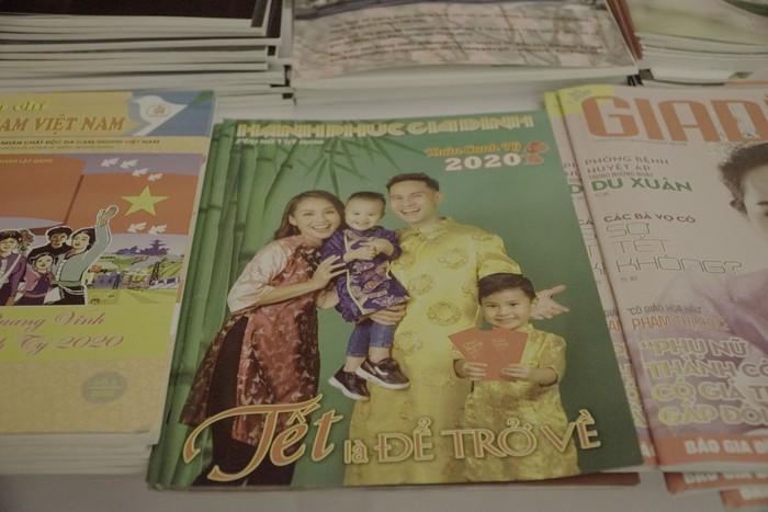 Hội Nhà báo Việt Nam khai mạc trưng bày hàng nghìn ấn phẩm báo chí tiêu biểu và triển lãm ảnh - Ảnh 8.