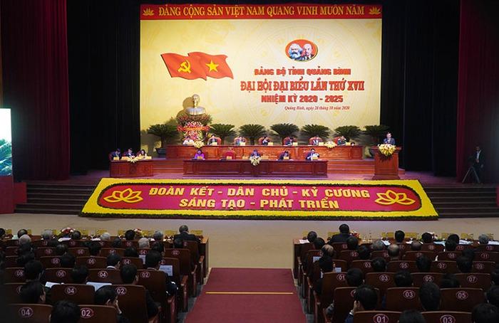 Toàn cảnh phiên khai mạc Đại hội Đảng bộ tỉnh lần thứ XVII, nhiệm kỳ 2020-2025 diễn ra sáng nay, 28-10-2020. Ảnh: Nguyễn Hoàng