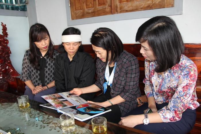 Lãnh đạo Hội LHPN Việt Nam thăm hỏi thân nhân liệt sĩ ở Nghệ An hy sinh khi tham gia cứu nạn - Ảnh 3.