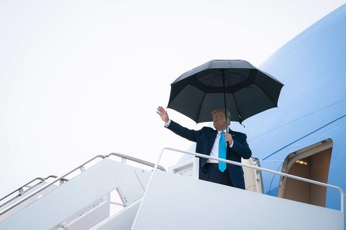 Tổng thống Trump có thể được chữa trị Covid-19 như thế nào? - Ảnh 1.