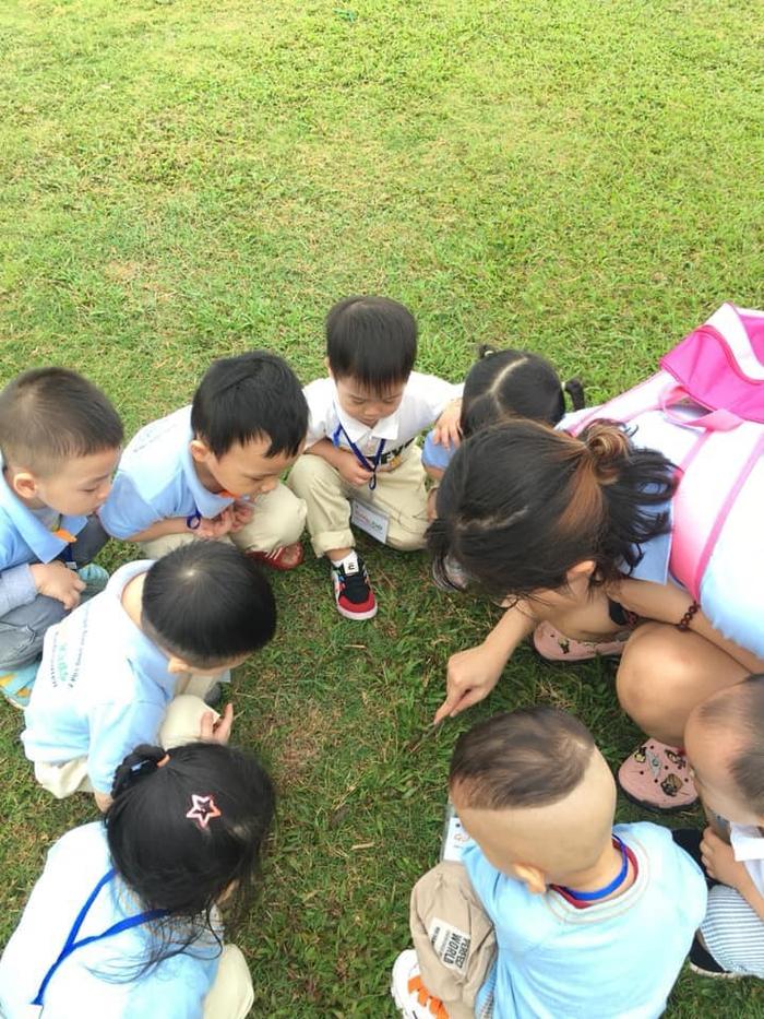 Những bí quyết giúp trẻ không còn thói ghen tỵ, so bì với bạn bè xung quanh - Ảnh 2.